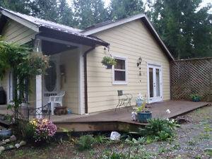 Comfy cottage on 1/2 acre in Qualicum Beach, Vancouver Island