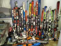 (( Plein de Ski alpin,bottes,pôles,patins pour les Familles ))