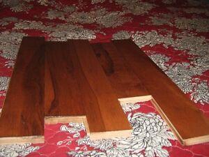 Plancher de bois franc neuf 105 pieds carrés