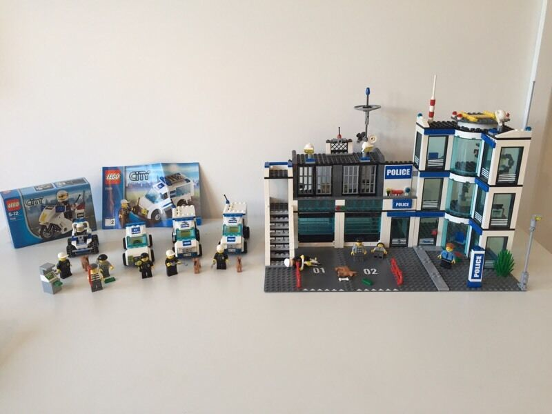 Lego police station with 7 police vehiclesfiguresin Bearsden, GlasgowGumtree - Lego police station (7498)Lego dog handler van (7285)Lego dog handler van (7285)Lego police station car 01 (7498)Lego police station car 02 (7498) still in bagLego police buggy (7279)Lego police bike (7235) still in boxLego police buggy (30035) still...