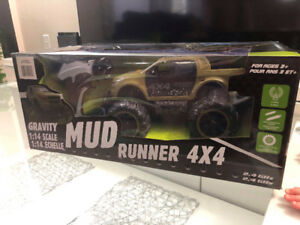 Brand new  Scale RC Mud off- Road 4X4Race Truck firm price