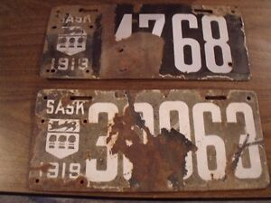 100's OF VINTAGE LICENSE PLATES