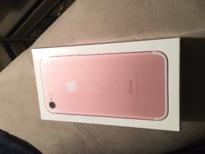 Brand new sealed in box iphone 7 32 gb on bell