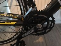Boardman road team c7 Carbon bike