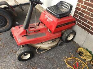 "MasterCraft Lawn Tractor 8hp 30"" Cut $225.00 obo"