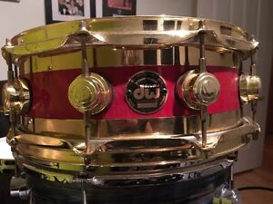 """SNARE DW  DRUMS  """"EDGE"""" (MAPLE BRASS)"""
