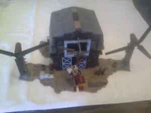 Mega Bloks Call of Duty Zombie barn