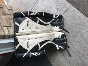 Intermediate Goalie Pads | Kijiji in Ontario  - Buy, Sell