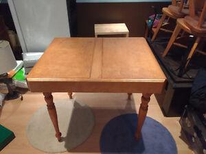 Table de cuisine ''accordéon'' (rétractable) en bois massif