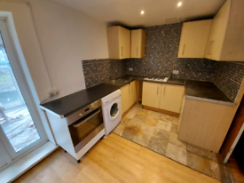 3 Bedroom House to Rent in S5 - £670