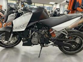 KTM 990 Superduke Naked sports street bike- LC8 V Twin Just 5000 miles