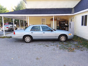 DROPPED PRICE - Even Lower - 2006 Ford Crown Victoria LX Sedan