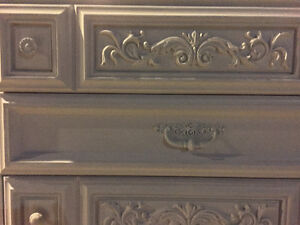 Vintage dresser, chest of drawers London Ontario image 6