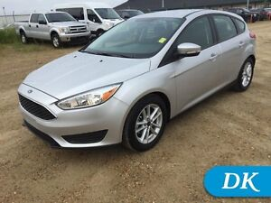 2016 Ford Focus SE Hatch w/Heated Seats, Heated Steering Wheel!