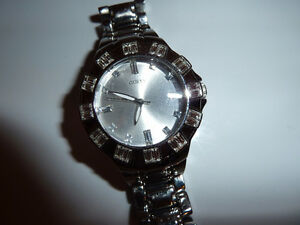 Guess Watch - perfect condition/ Montre Guess