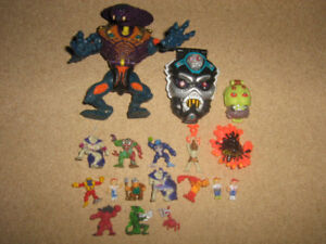 MIGHTY MAX FIGURE AND PLAYSET LOT