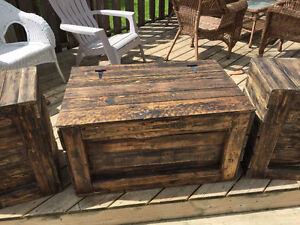 Coffee tables & end tables out of pallet wood