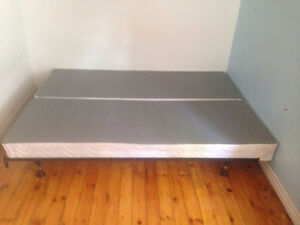 Split box spring for double bed