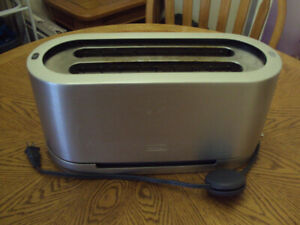 Delonghi Automatic Toaster