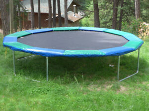 Play Factory 15' round trampoline