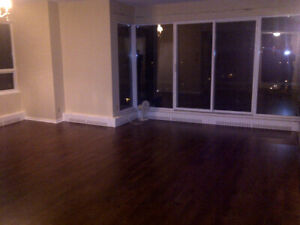 Large 2 Bedroom + Den - 2 Bath -5 Appl @ the Carlyle Next to Dal