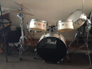 Pearl Drum Set Comes with Everything
