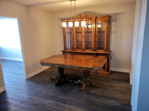 Solid wood hardwood dining room buffet hutch set