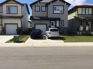 Beautiful Single Family Home For Rent - Copperwood Lethbridge