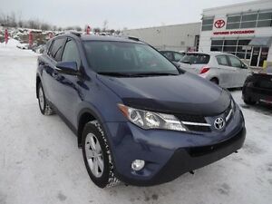 Toyota RAV4 XLE  TOIT OUVRANT MAGS 2014