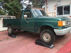 1990 Ford F-150 Pickup Truck **LIKE NEW UNDERCARRIAGE **