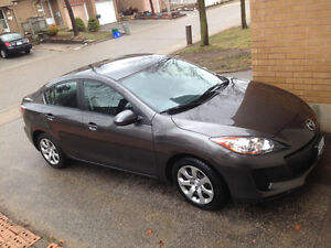 2013 Mazda 3 / fully loaded -Good condition