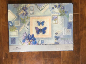 4 placemats brand new, wrapped Pimpernel