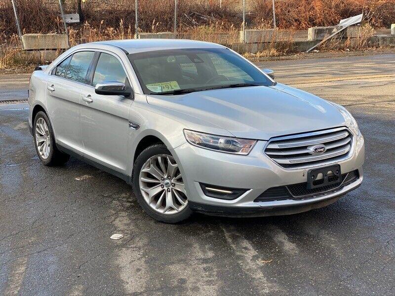 Image 7 Salvaged Ford Taurus 2017