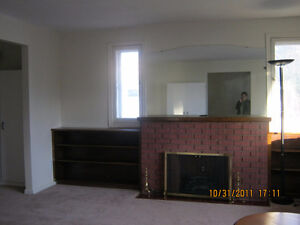 Large main floor unit close to U of A: $570/month incl. util