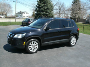 2011 Volkswagen Tiguan Automatic, AWD,Drives Great,Must See!