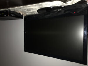 "19"" TV FOR SALE"