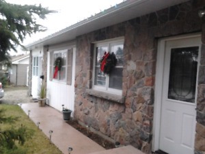 BARRIE south, Bungalow 3 Bedroom 2 bath,house to share