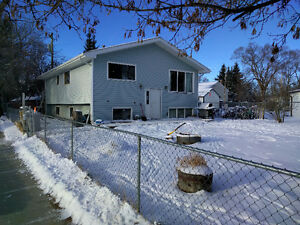 Price Reduced for Quick Sale - 4 BR/1.5 Bath Home Hay Lakes