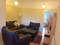 UNDER APPLICATION - 2 bedroom fully furnished main door property - Easter Road
