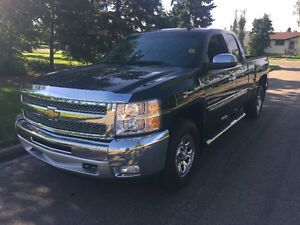 2013 Chevrolet Silverado 1500 Z-71 4x4 Leather Low Kms Pristine