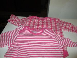 Long sleeved onesies (12-18M) Kitchener / Waterloo Kitchener Area image 1