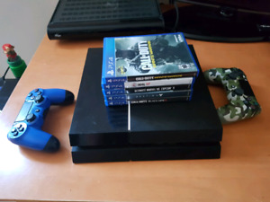 PS4 with 5 Games 2 Controllers