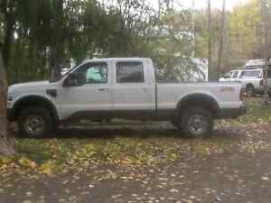 2010 Ford F-350 Cabelas Pickup Truck