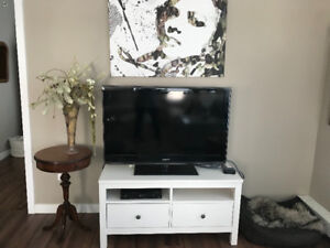 Media/entertainment unit