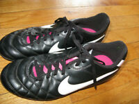 SOCCER CLEATS FOR GIRLS AND BOYS