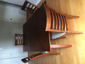 Salle a manger 5 pieces / Dining table set  5 items