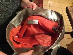 Genuine Danier Leather Handbage Oakville / Halton Region Toronto (GTA) image 2