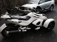 CAN-AM SPYDER RS 2011  COMME NEUF