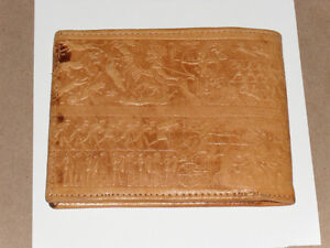 Very old authentic Egyptian Wallet w/ Hieroglyphic design West Island Greater Montréal image 2