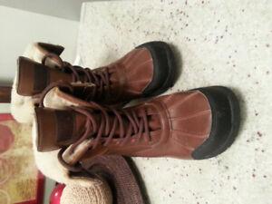 Mint UGG Adirondack Boots - Size 3
